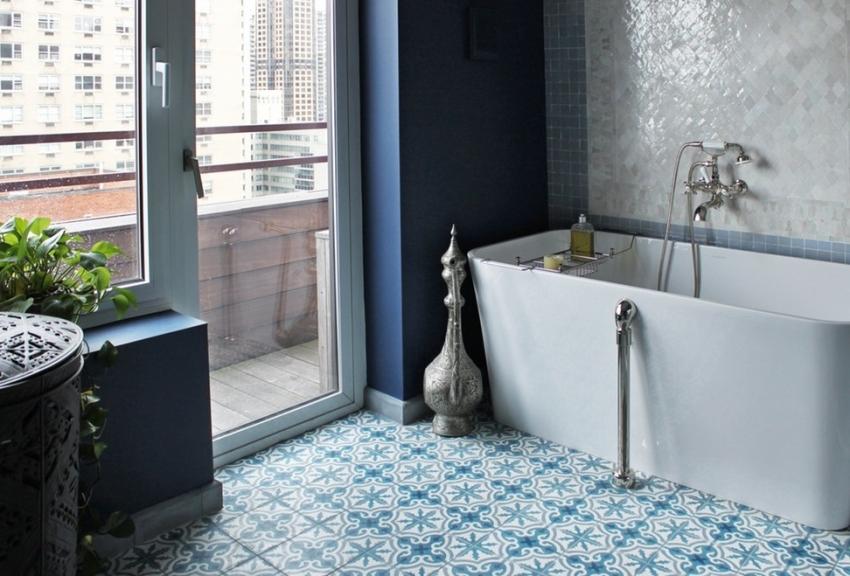 При оформлении интерьера ванной комнаты, важно учитывать стилевое цветовое сочетание, определить которое можно с помощью цветового круга