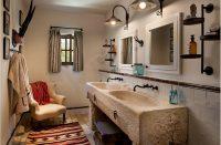 Стиль кантри предполагает использование плитки для отделки только части помещения, что вносит особый деревенский шарм