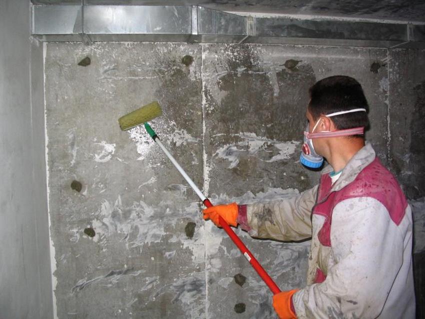Гидроизоляция подвала внутри поможет избежать появления плесени и грибков, а также разрушения фундамента