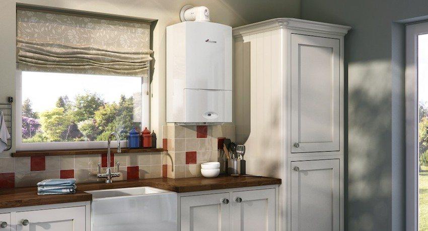 Настенный газовый котел органично вписывается в интерьер кухни
