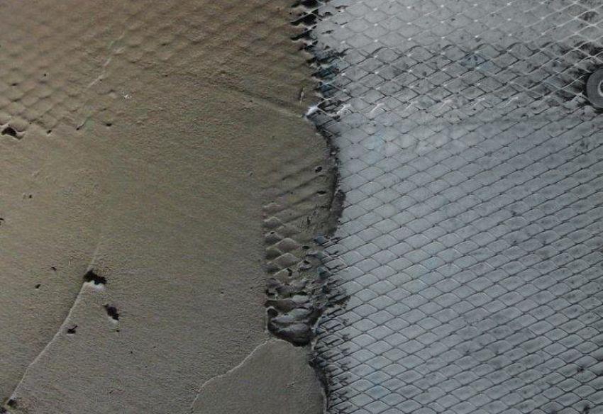 Оштукатуривание стены с использованием армирующей стеки