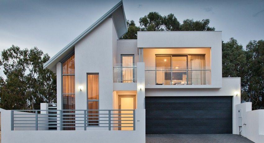 Современные отделочные материалы позволяют оформить фасад дома на любой вкус