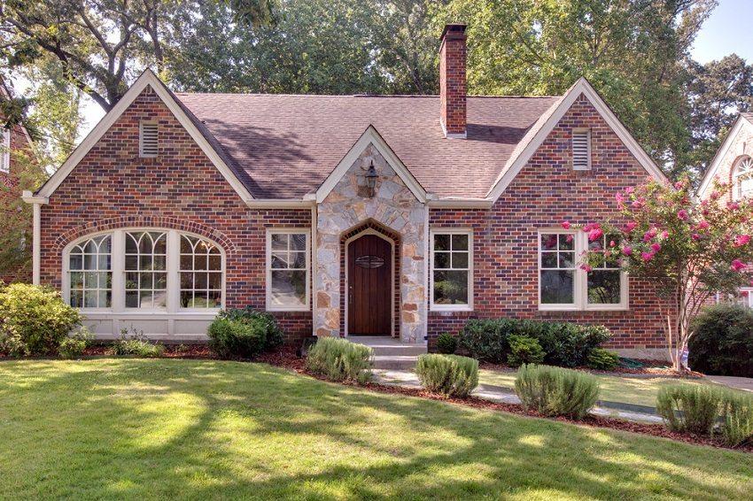 Чем обшить дом фото фасадов частных домов