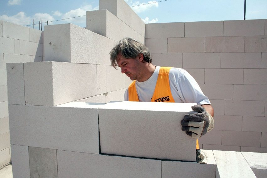 Дом из пеноблоков строится быстро