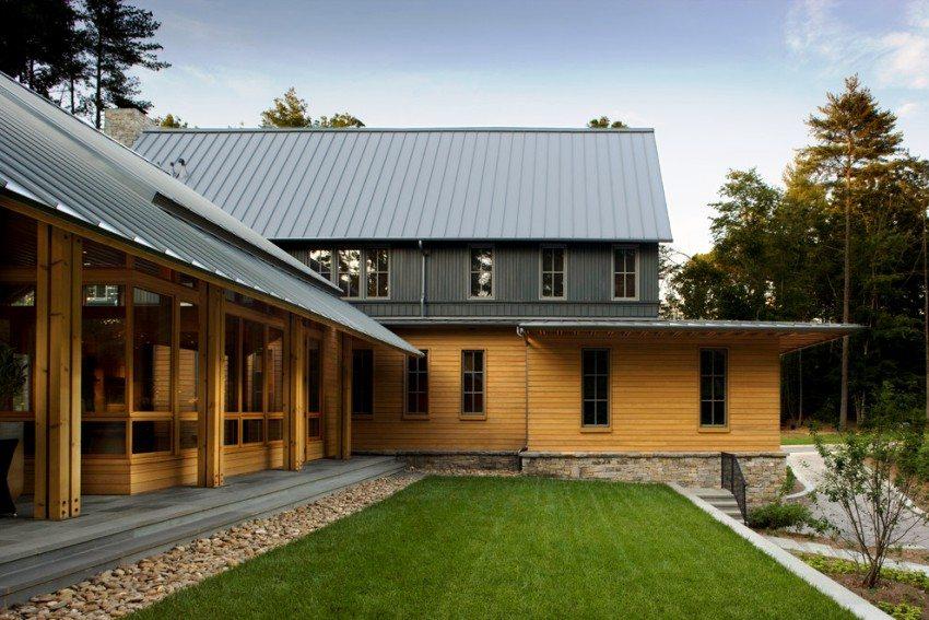 Деревянный сайдинг на наружных стенах дома