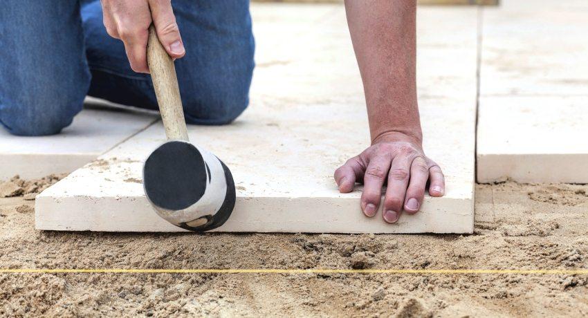 Как сделать отмостку вокруг дома своими руками: практические советы