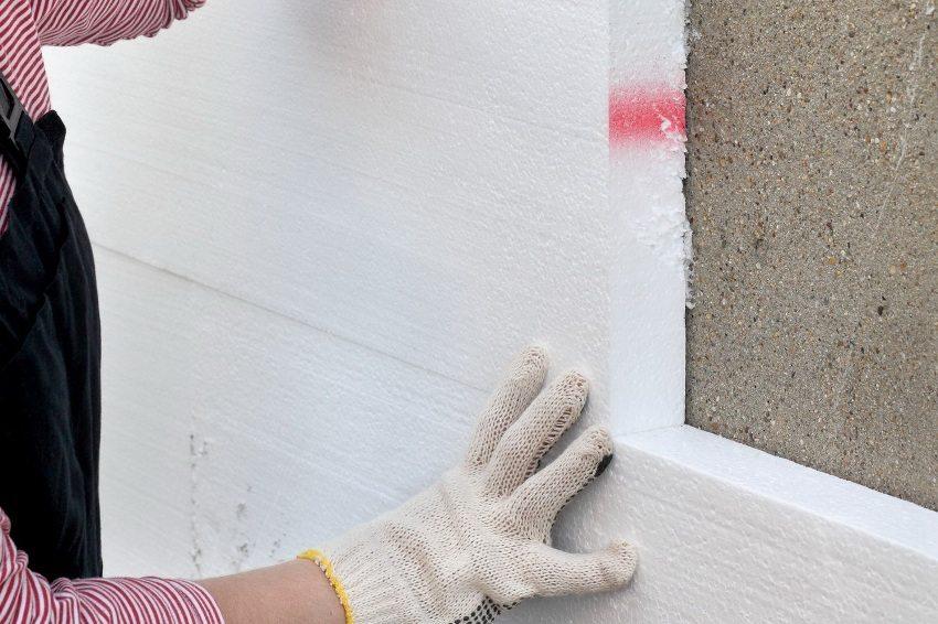 Утепление стены с помощью пенопласта