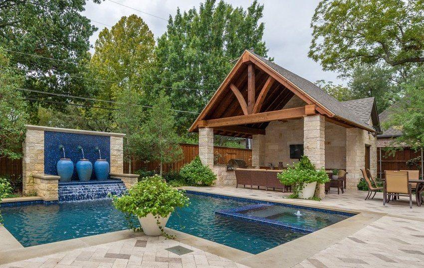 Баня с террасой, барбекю и бассейном