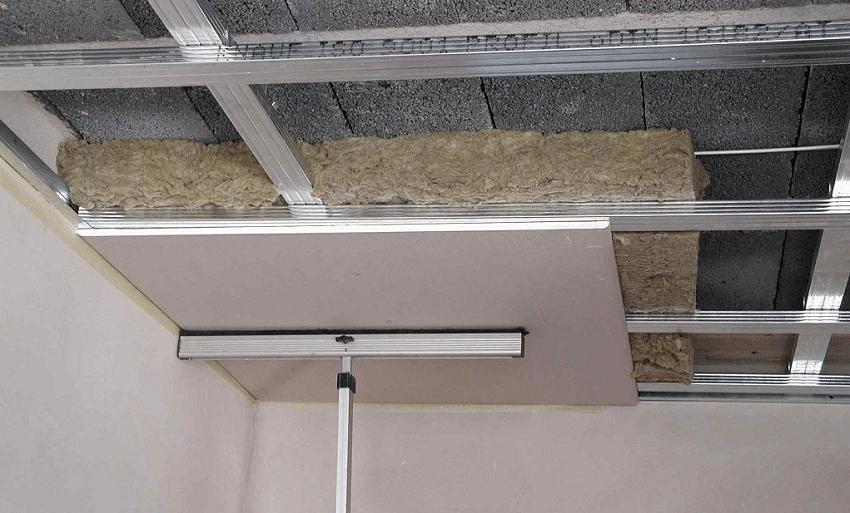 Гипсокартон — самый популярный материал для обустройства подвесных потолков