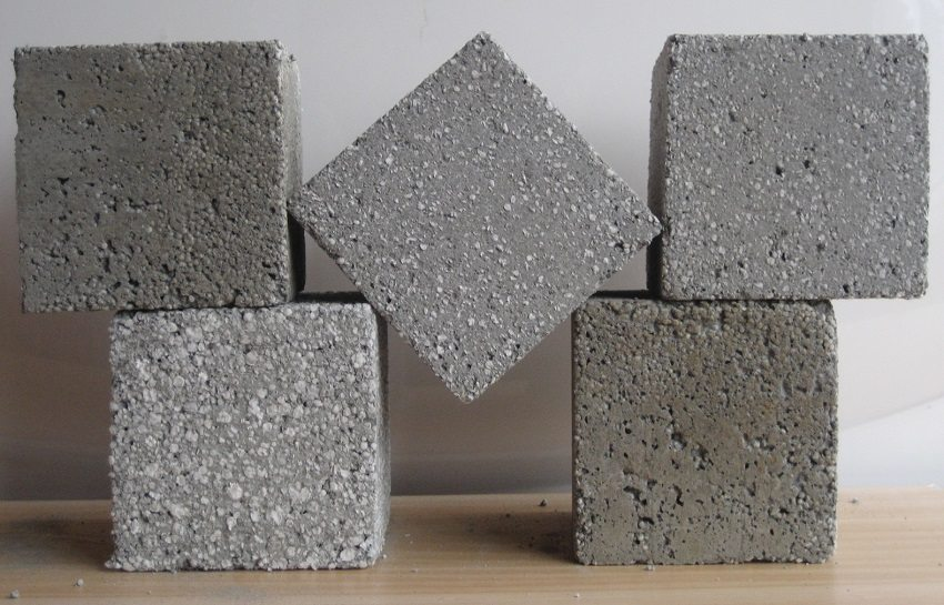 В зависимости от наполнителей, бетоны делятся на разные виды