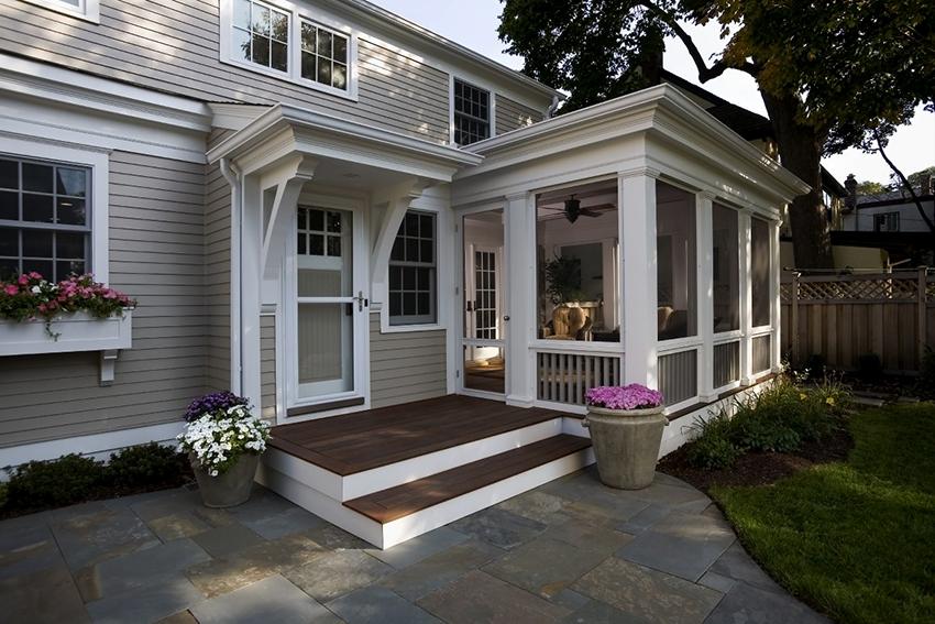 Лучше если веранда и дом выполнены из одинаковых материалов