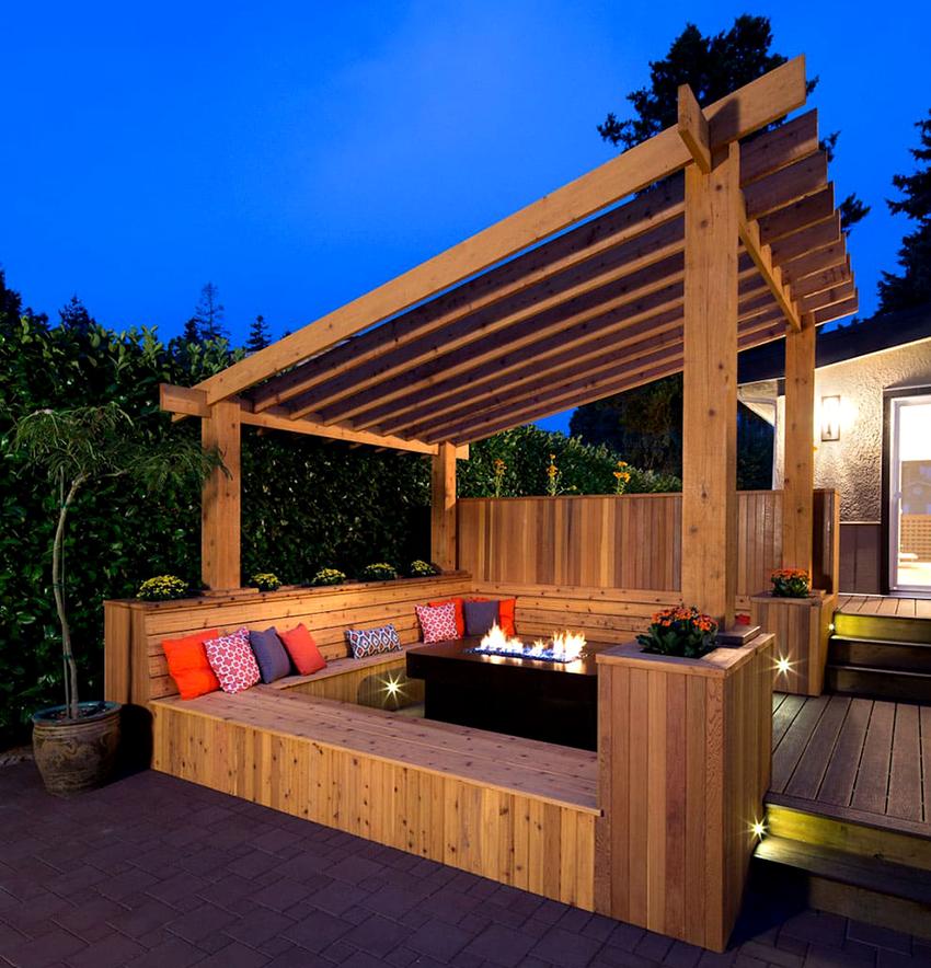 Если нет возможность выполнить пристройку к дому, можно сделать отдельно стоящую террасу