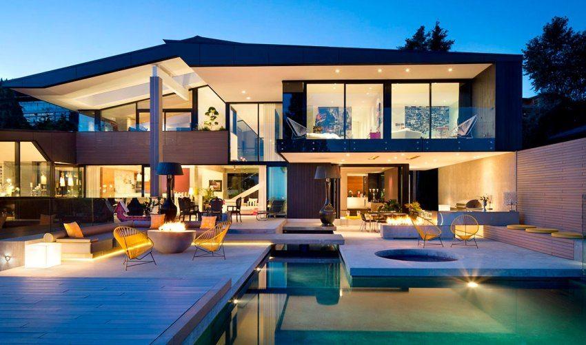 Дизайнерская летняя терраса с открытым бассейном