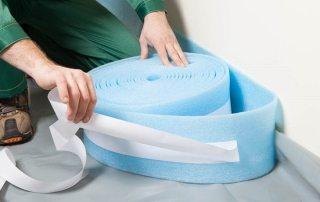 Демпферная лента для стяжки пола: назначение, свойства и монтаж