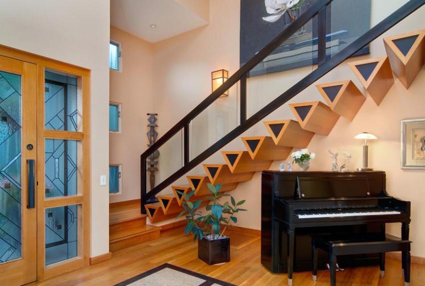 Оригинальная конструкция лестничных ступеней
