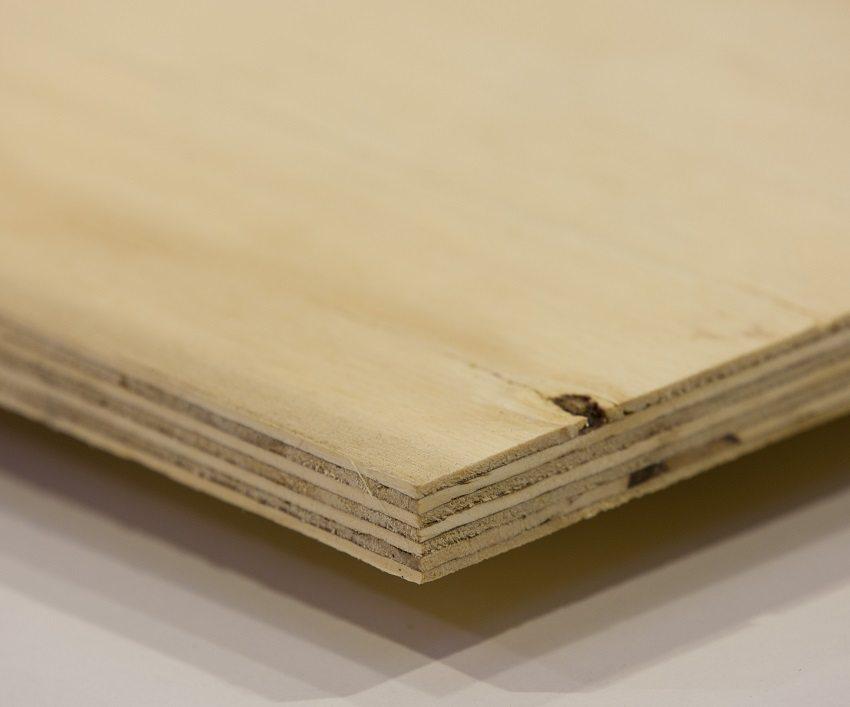 В качестве верхнего слоя сухой стяжки можно использовать влагостойкую фанеру