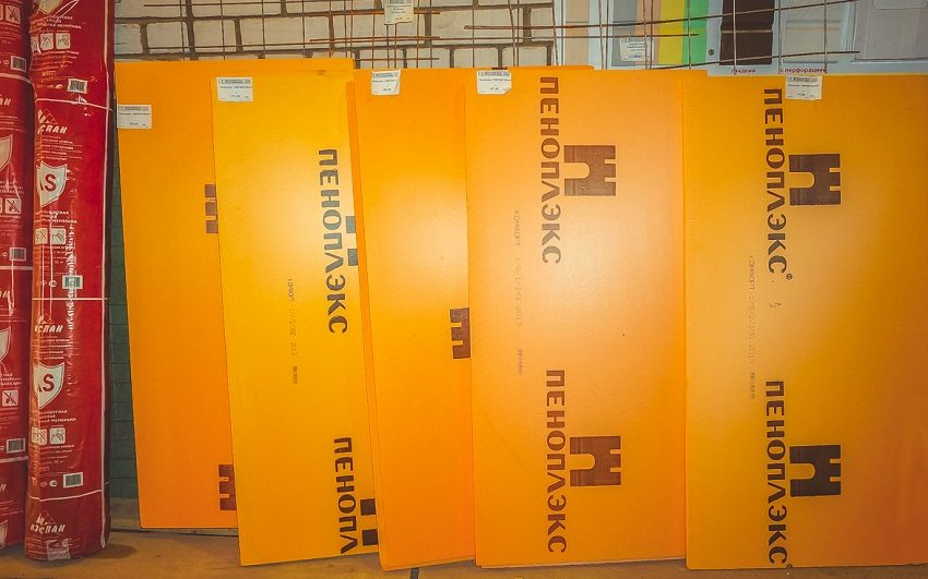Для утепления бетонных и кирпичных стен используется «Пеноплекс Стена»