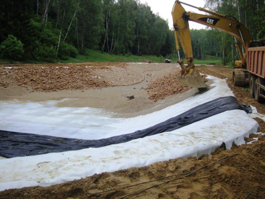 Геоткань в обустройстве искусственных водоемов