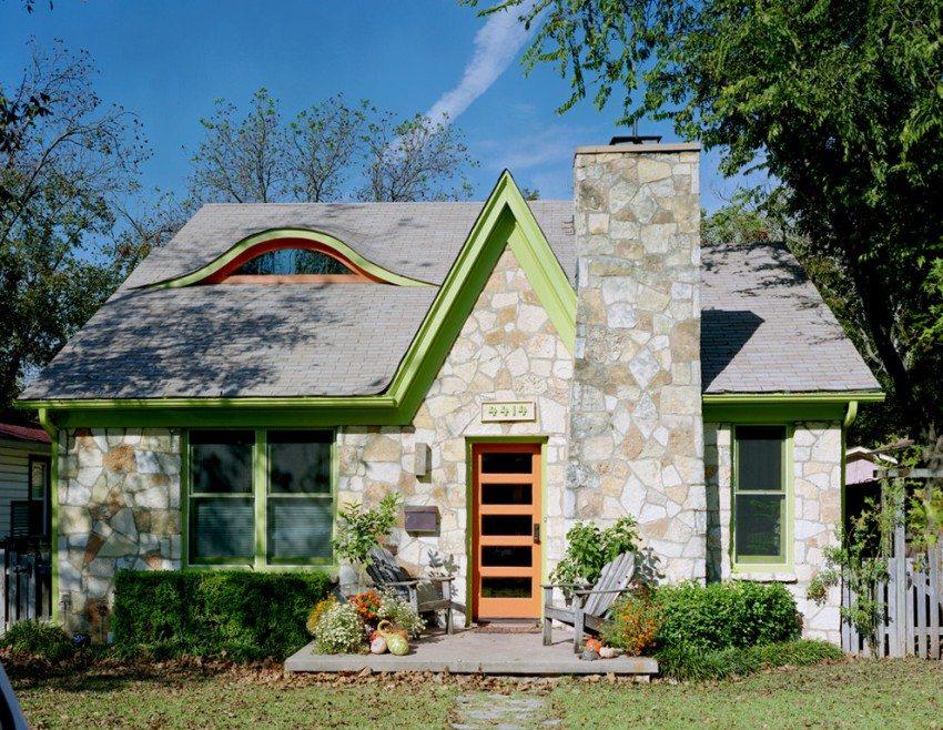Каменный дом с мансардным помещением