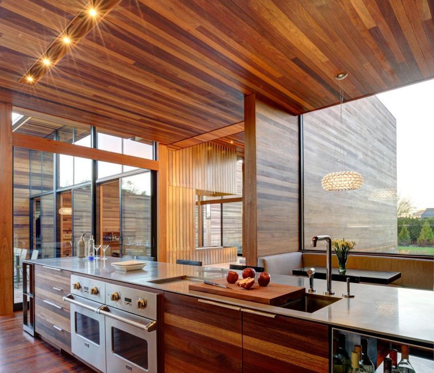 Внутренняя отделка кухни с использованием дерева
