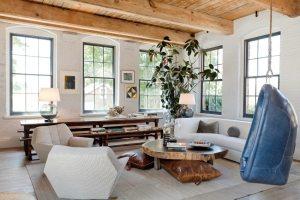 Потолок с имитацией деревянного бруса