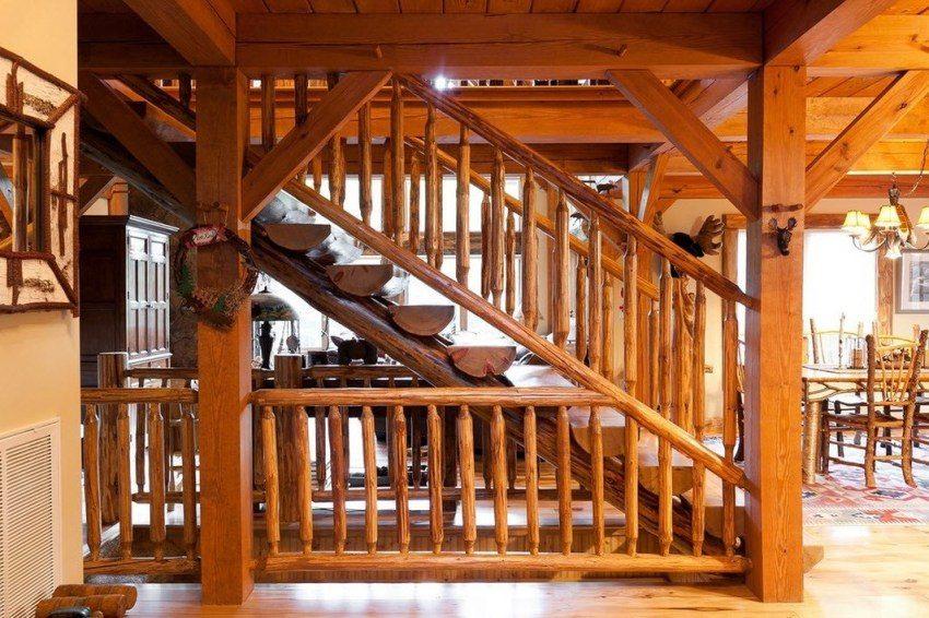 Деревянная лестница в стиле русской избы