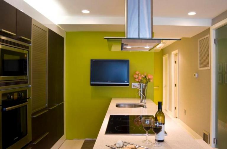 Обои или покраска стен на кухне