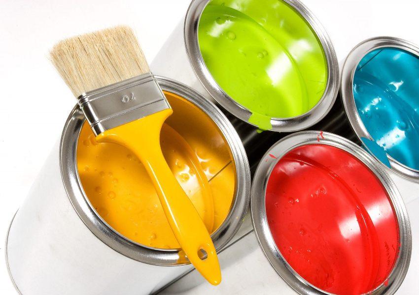 Самыми востребованными считаются водоэмульсионные, акриловые, латексные и масляные виды красок
