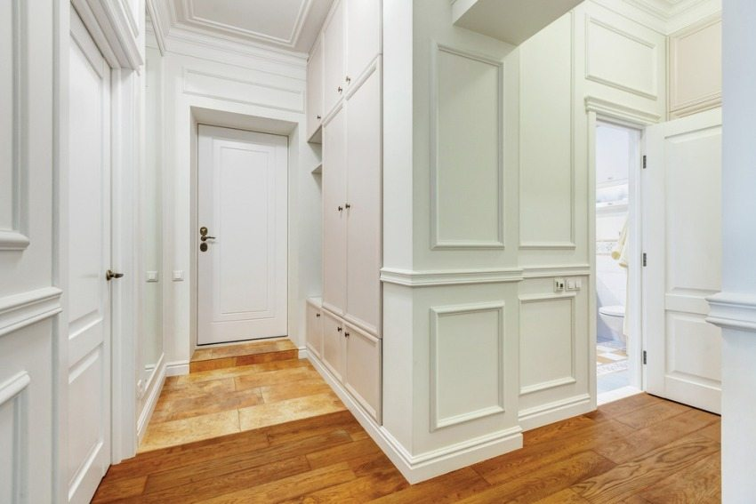 Для того, чтобы входная дверь вписывалась в общий стиль квартиры - ее можно изготовить по индивидуальному заказу