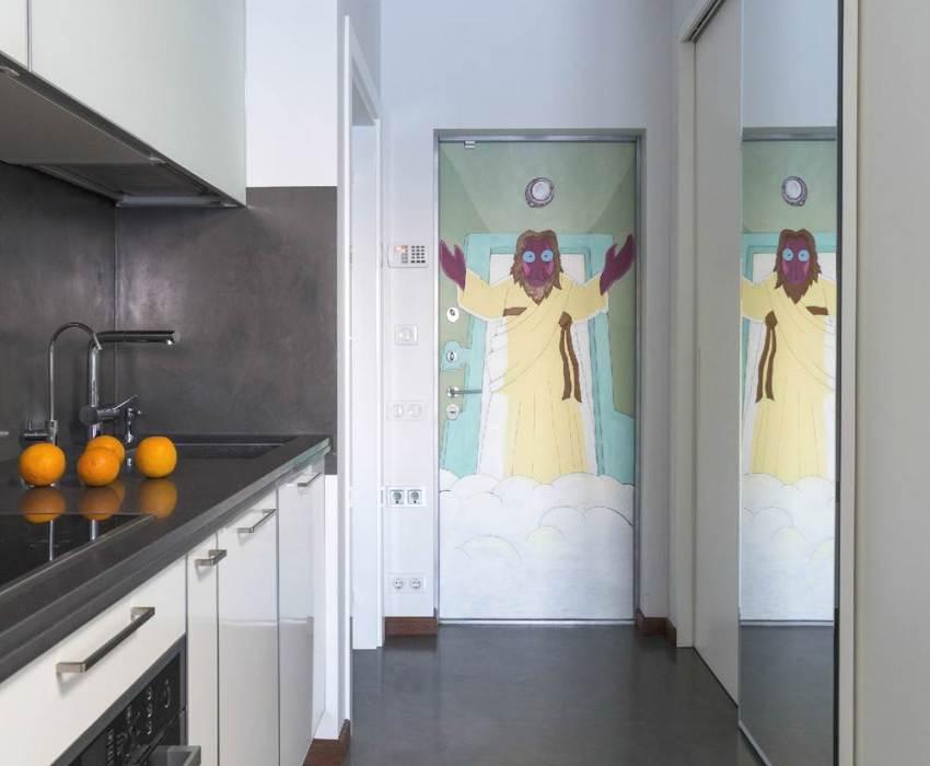 Пример креативного дизайна входной двери
