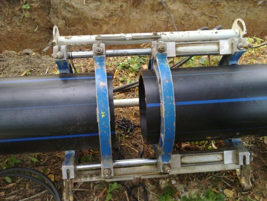 Монтаж водопроводных труб с применением неразъемного способа соединения