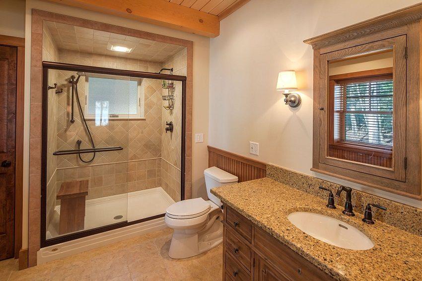 Элегантно оформленная зона для душа в ванной комнате