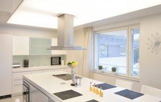 Натяжной потолок на кухне. Дизайн. Фото решений. Правильный монтаж