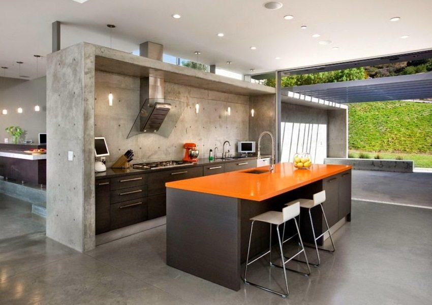 Наливной пол обладает высокими влагоотталкивающими свойствами, поэтому его можно обустраивать в кухнях и ванных комнатах