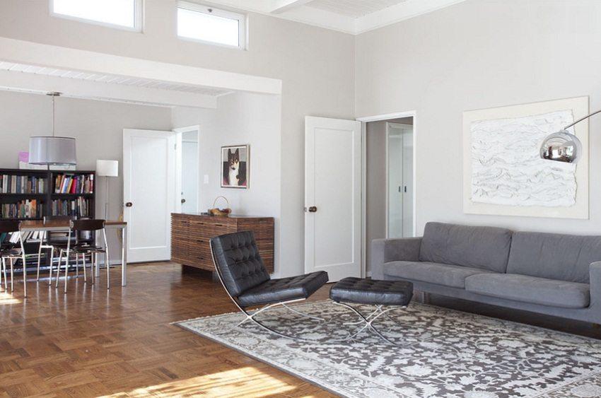 Белые межкомнатные двери в сдержанном лаконичном стиле