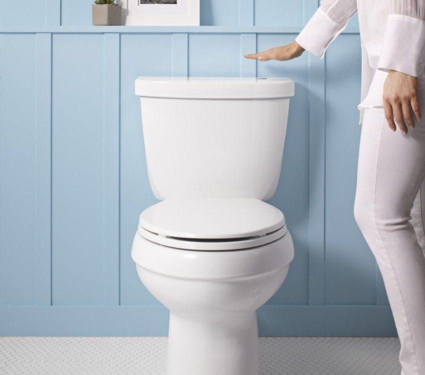 Чтобы удостовериться, что засор находится в унитазе, необходимо проверить слив воды и в других потребителях
