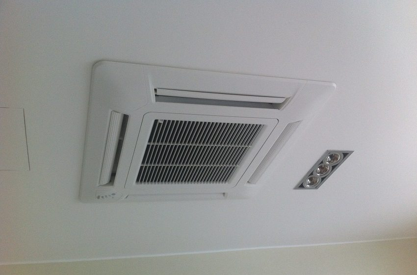 Пример обустройства потолочной вентиляции