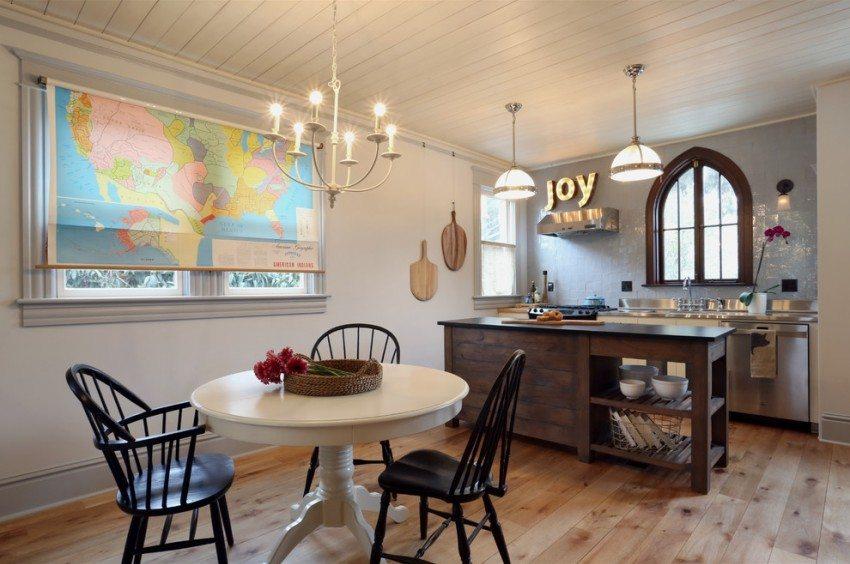 Рулонная штора с нанесенной фотопечатью в кухне-столовой