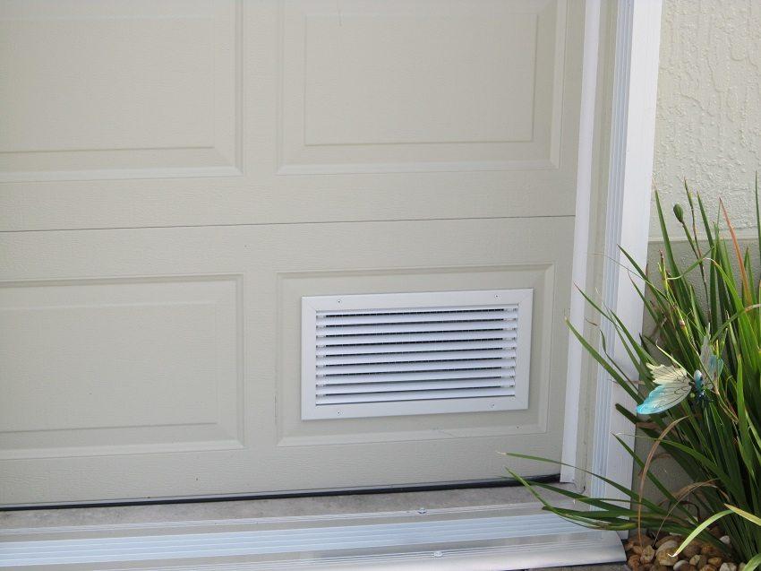 Вентиляционные решетки в двери - простое решение вопроса доступа свежего воздуха в гараж