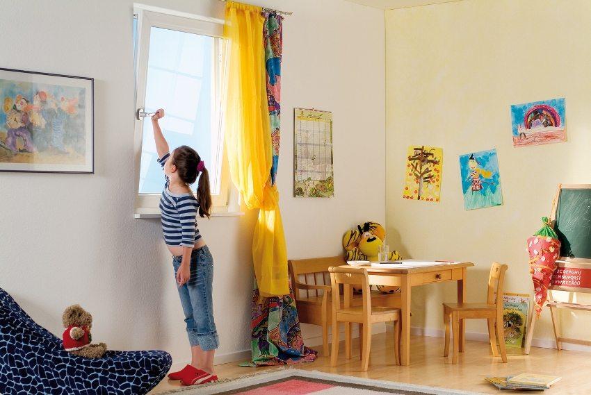 Проветривание - простой способ естественной вентиляции в комнате