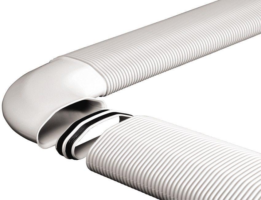 Пластиковый воздуховод с плоскоовальным сечением удобно прятать под подвесной потолок