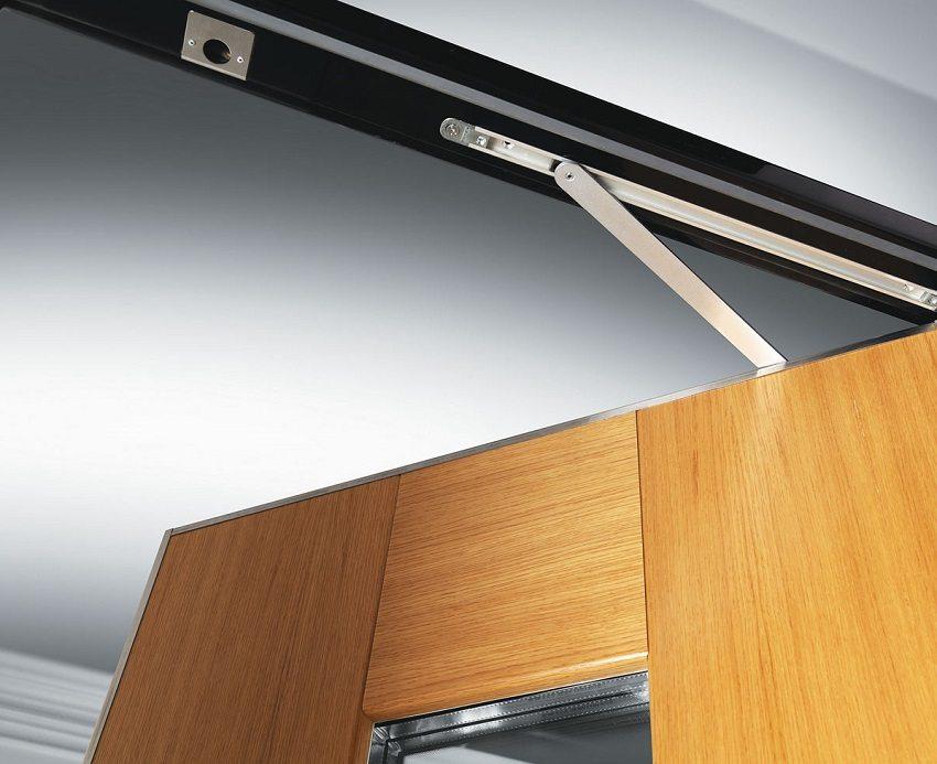 Доводчики для входных дверей: устройство, выбор и монтаж механизмов