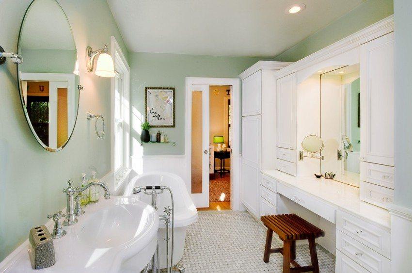 Пластиковая дверь для ванной комнаты - самое оптимальное и практичное решение