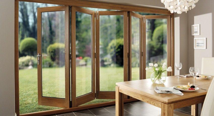 Дверь-гармошка - красивый и практичный элемент декора в интерьере