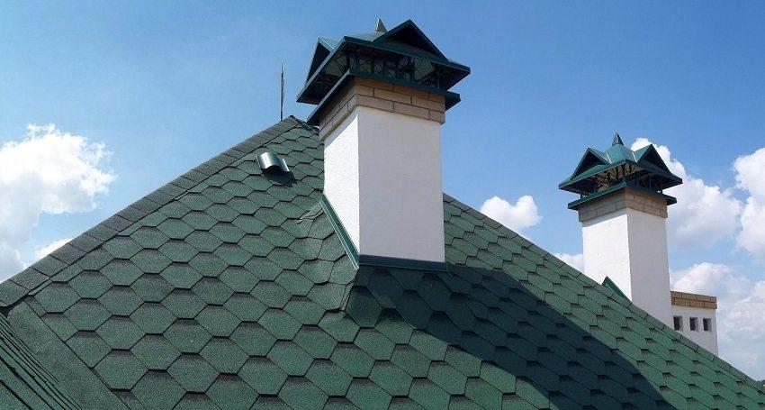 Чтобы вытяжная вентиляция в частном доме была задействована на полную силу, необходимо обустроить вертикальные каналы