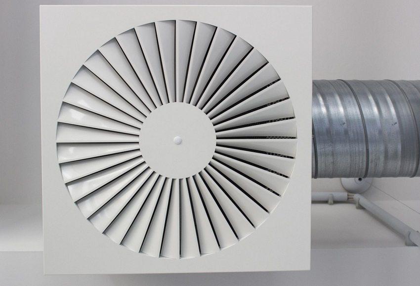 Чтобы рассчитать, как правильно сделать вентиляцию в доме, необходимо грамотно распределить воздушные потоки