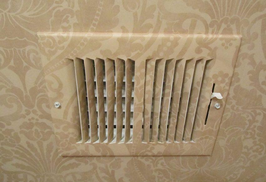 На вентиляционном клапане можно установить необходимый зазор, чтобы регулировать поток воздуха