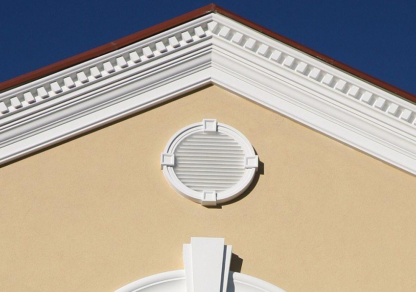 Правильно организованная естественная вентиляция не требует особых затрат, работает сама по себе и смягчает температурный режим в помещении