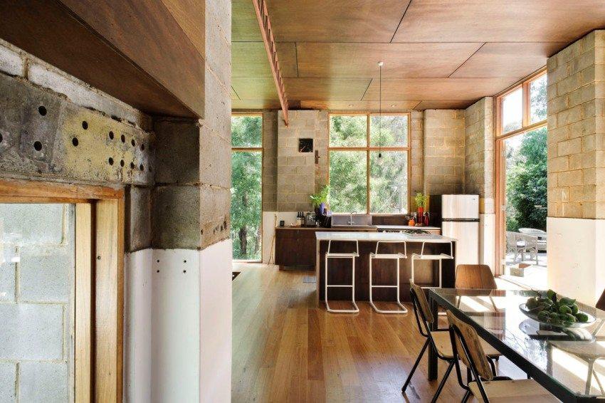 Облицовка потолка на кухне декоративными панелями
