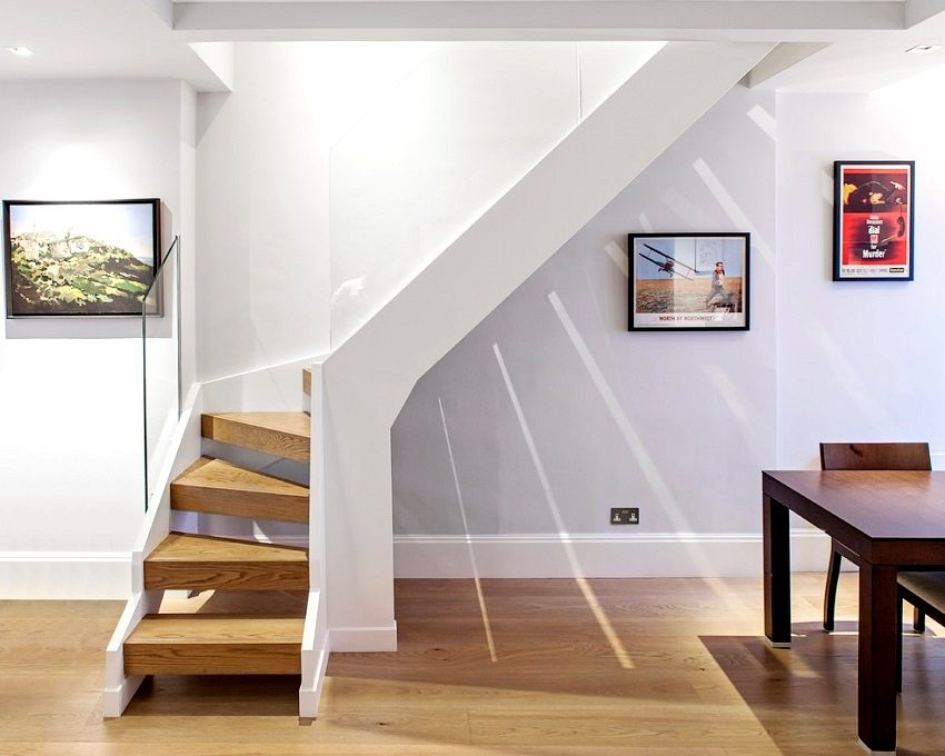 Лестница с поворотом на 90 градусов с забежными ступенями